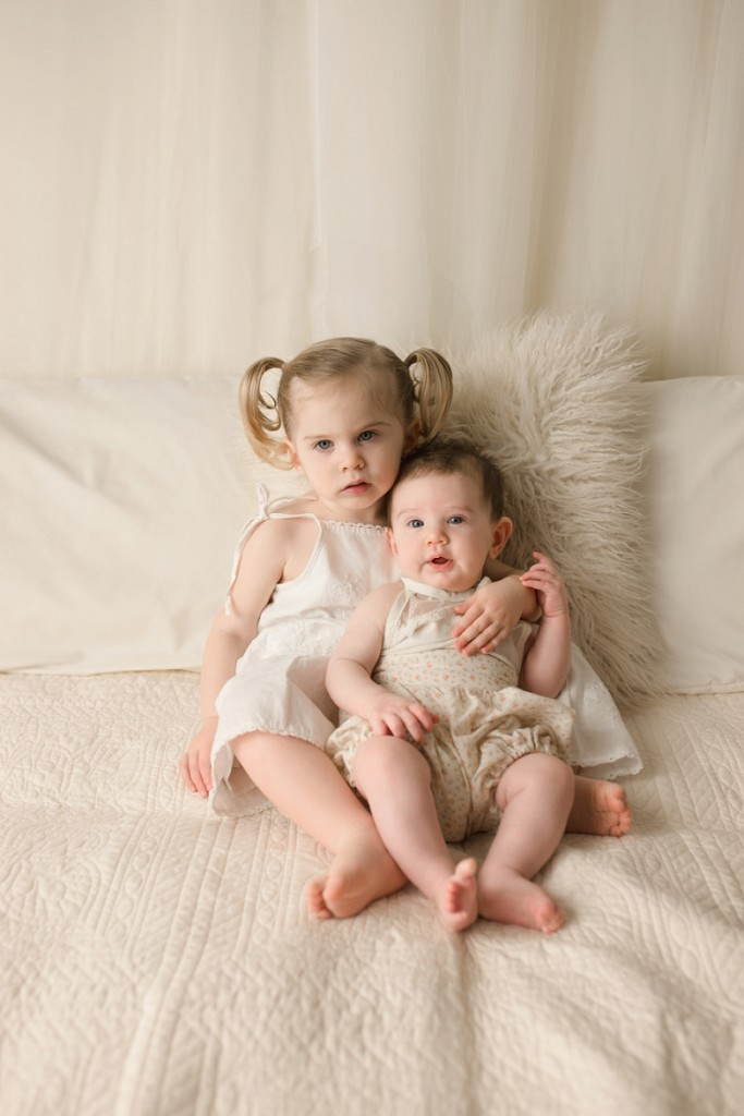 http://www.quietgraces.com/blog/greenville-sc-newborn-photography/preparing-a-young-child-for-a-photography-session