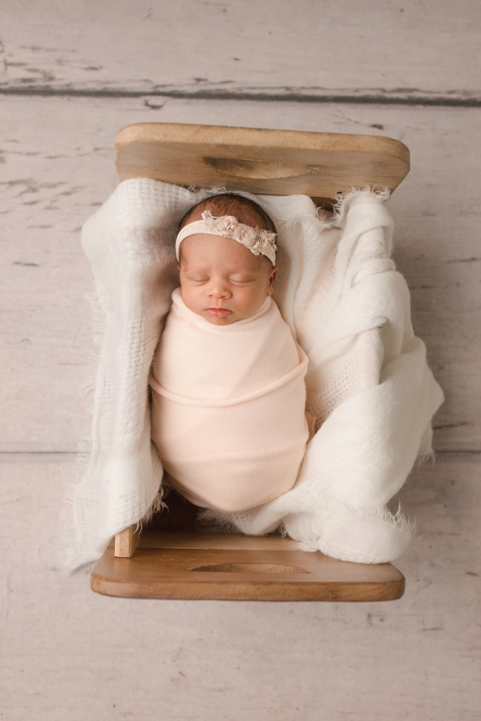 Simple emotional newborn pictures Greer SC