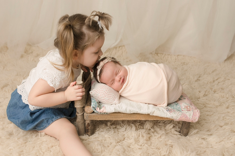 Greenville SC Newborn Pictures Big sister with new baby