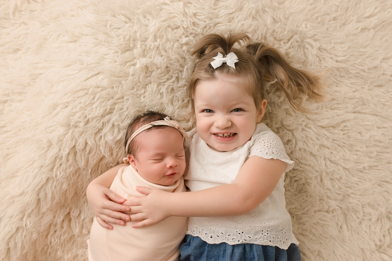 Greer SC Newborn Pictures Big Sister with New Baby
