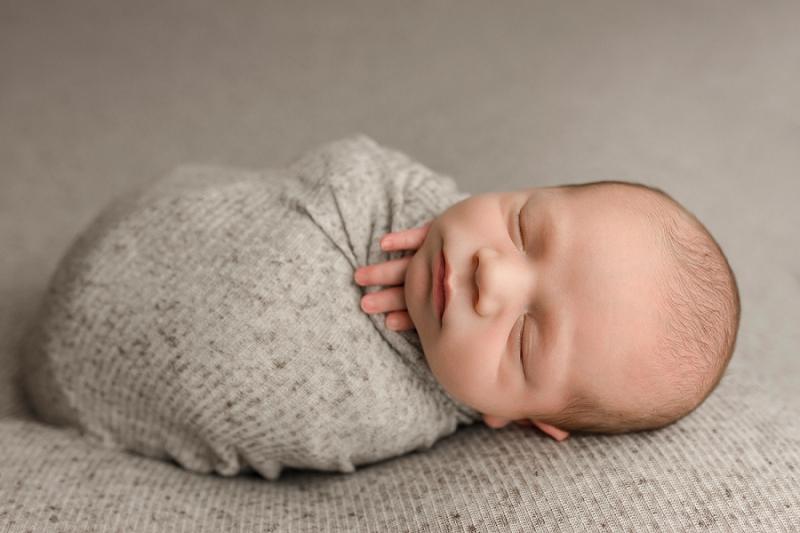 Simple Newborn Pictures Greenville SC