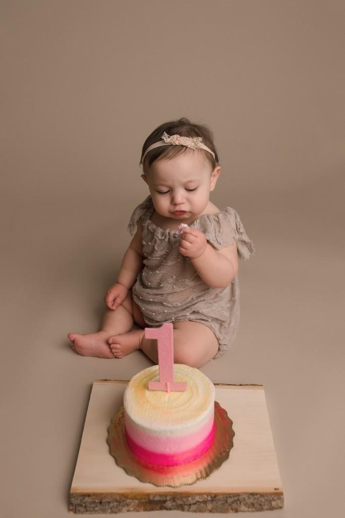 Simple Girl Cake Smash Greenville SC