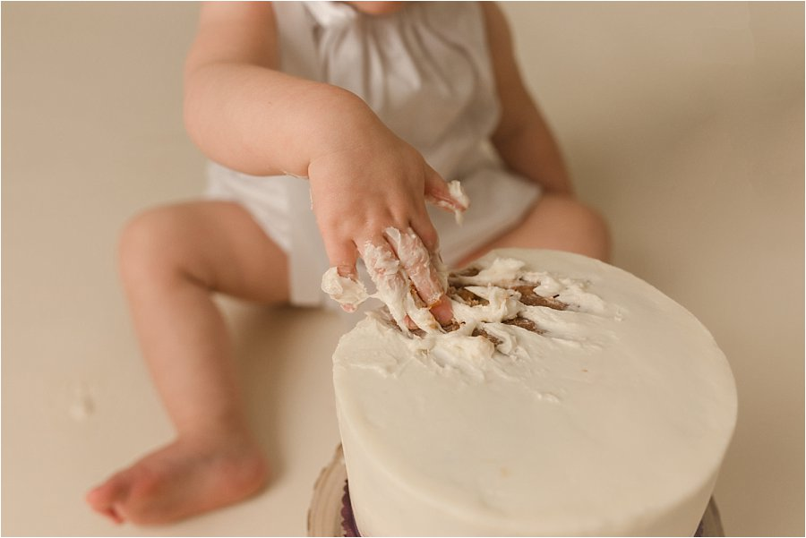 Simple Dreamy Cake Smash Photos Greer SC